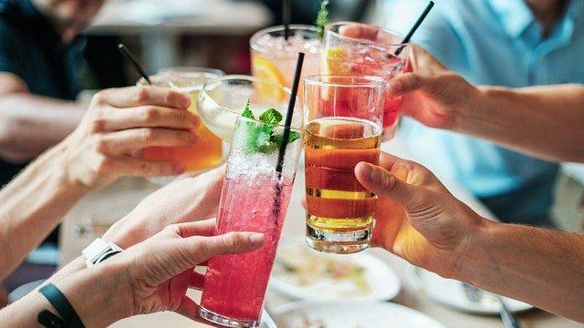 【お金】3分でわかる!30代が知っておきたい10月からの酒税法改正ポイント